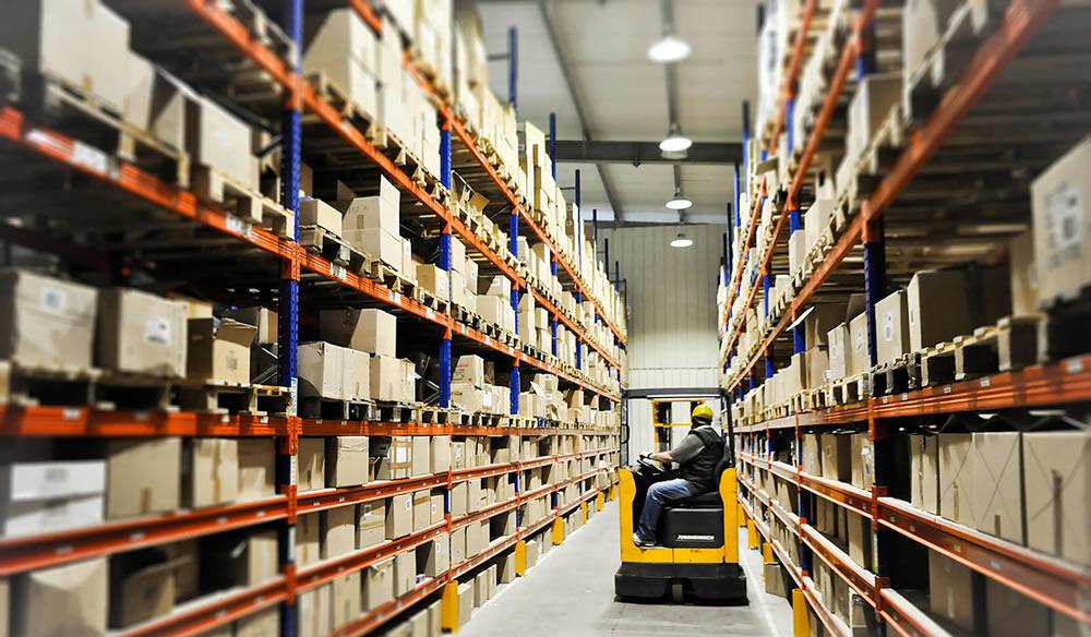 Logística: conheça os tipos de galpão de armazenamento